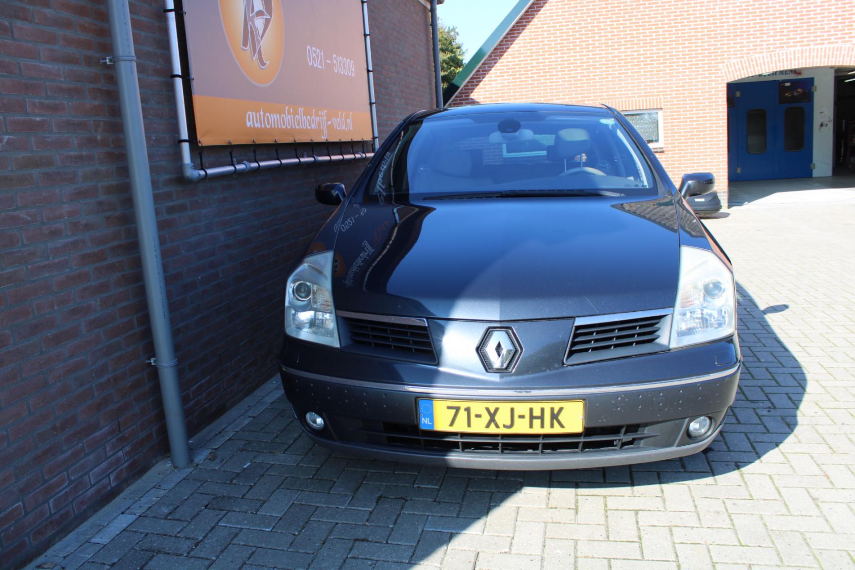 Renault-Vel Satis-1