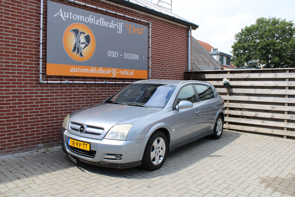 Opel-Signum-thumb
