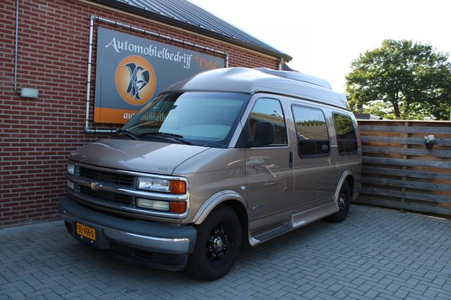 Chevrolet-Camper