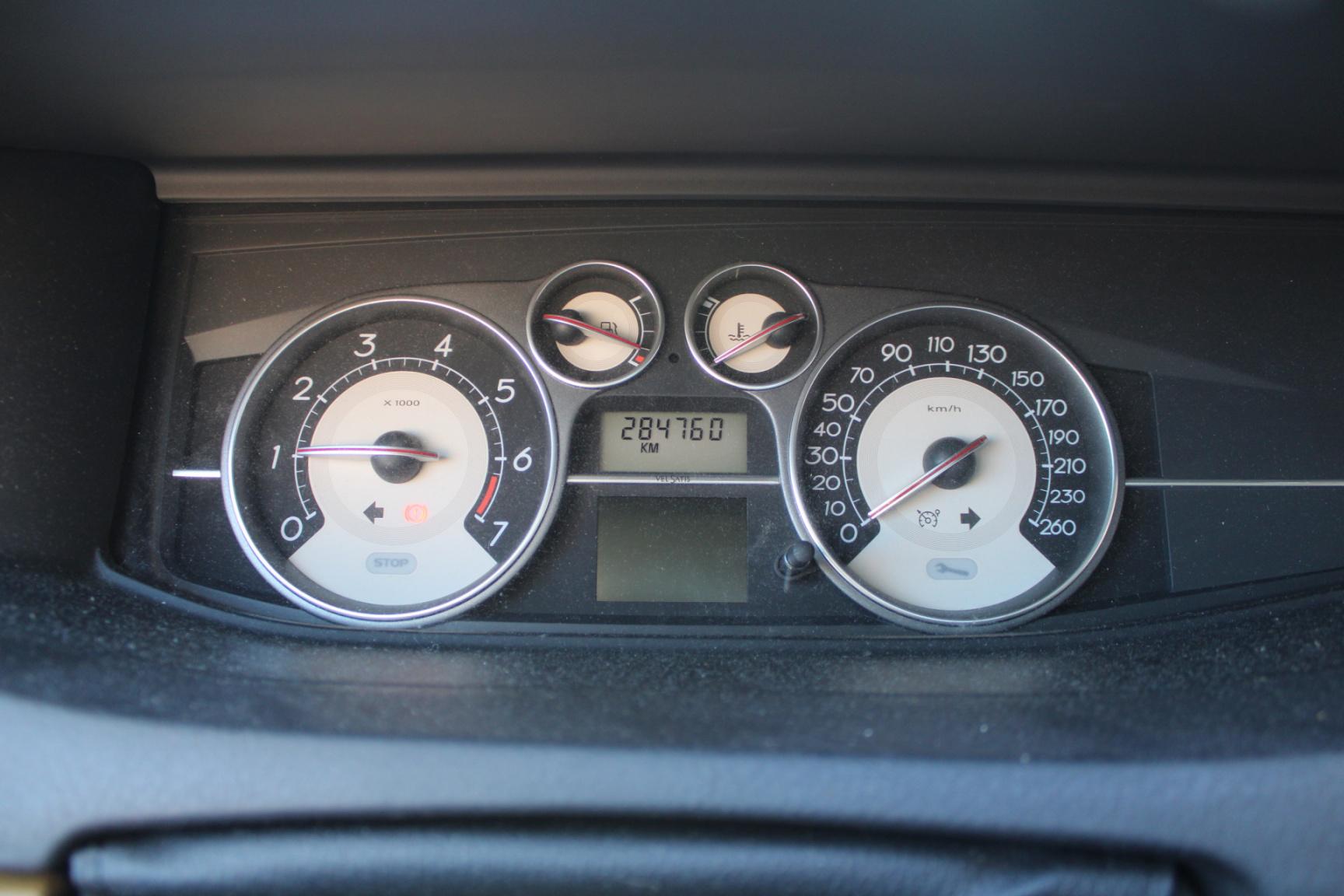 Renault-Vel Satis-8
